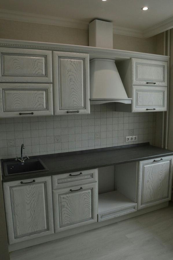 Белый кухонный гарнитур-Кухня их массива «Модель 427»-фото1