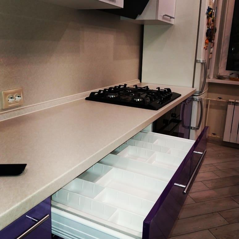 Белый кухонный гарнитур-Кухня из пластика «Модель 489»-фото3