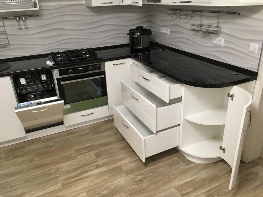 Белый кухонный гарнитур-Кухня МДФ в эмали «Модель 472»-фото9