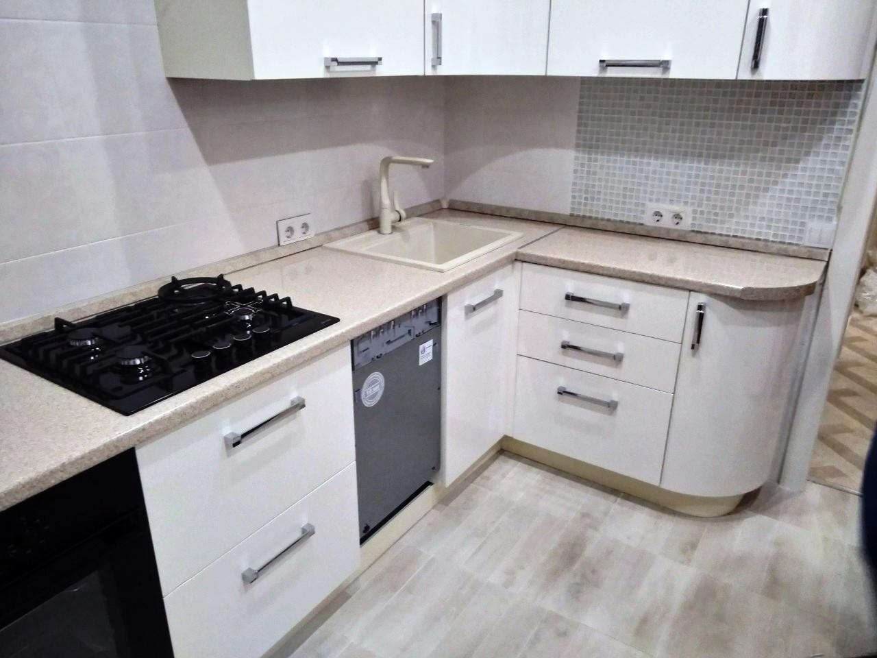 Белый кухонный гарнитур-Кухня МДФ в ПВХ «Модель 532»-фото4