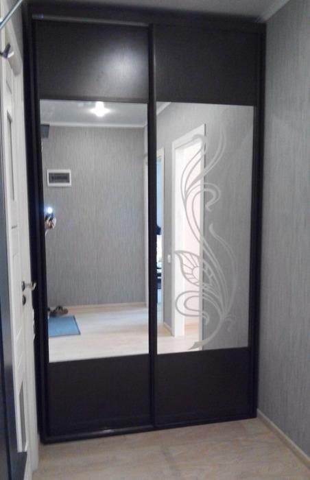 Встроенные шкафы-купе-Шкаф-купе с зеркалом «Модель 49»-фото2